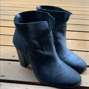 ⚡️SALE! Vince Camuto Boots